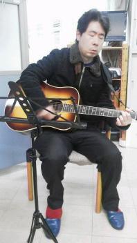 久しぶりのギターサークル